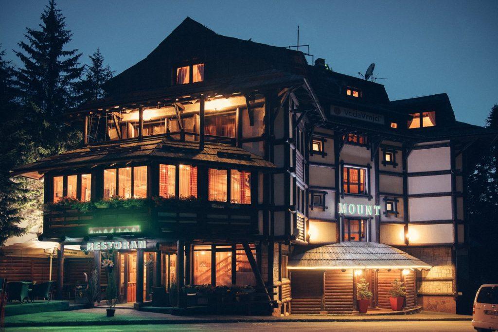 HOTEL MOUNT