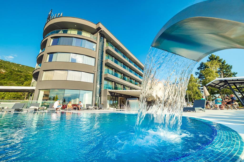 LAKI HOTEL & SPA